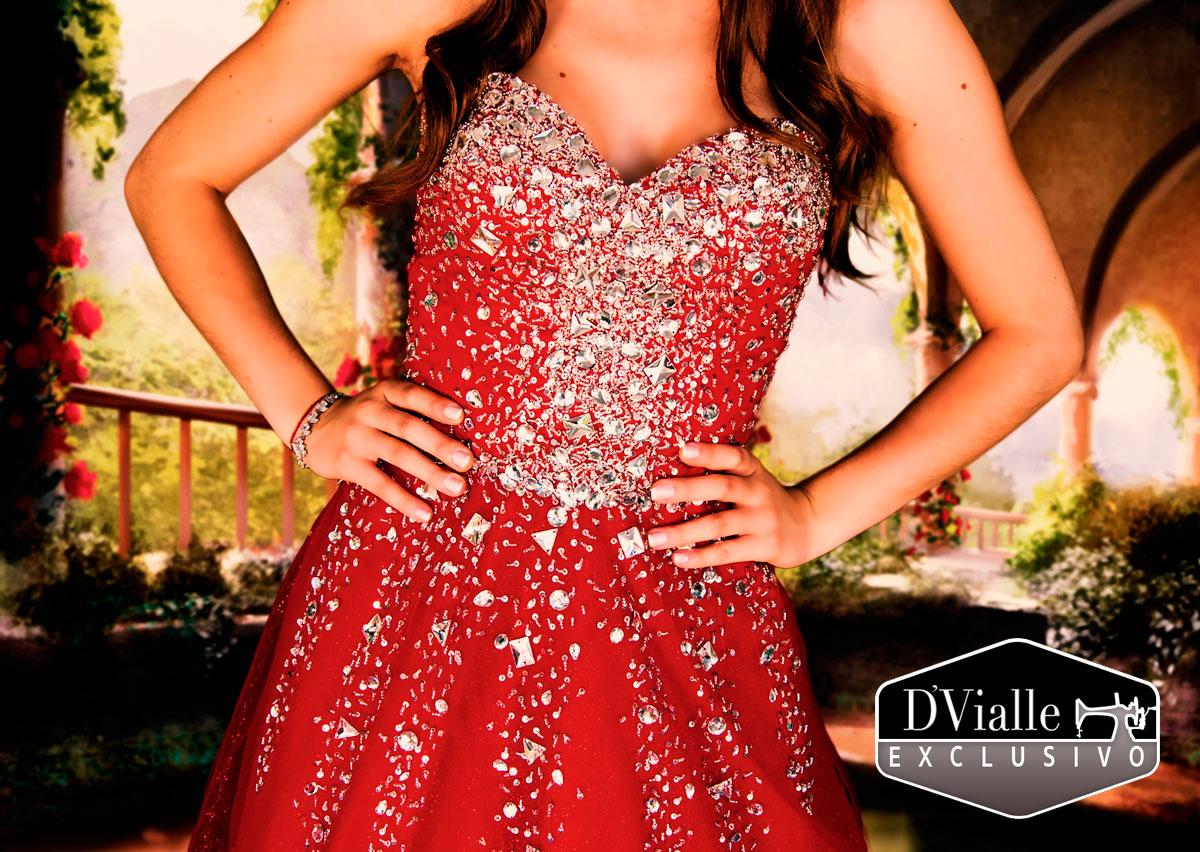 Coleção D'Vialle: Vestido Vermelho com Pedras