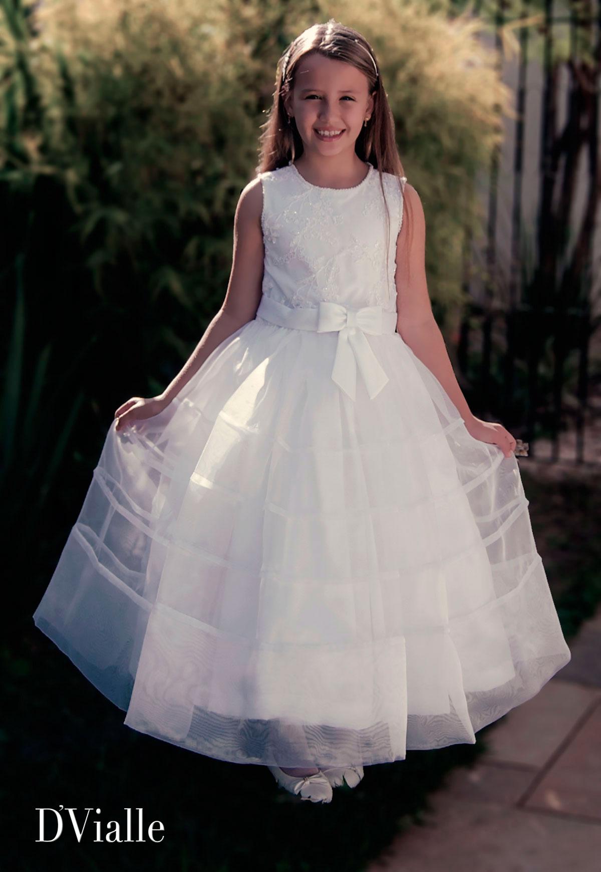 Coleção D'Vialle: Vestido Dama Corpo Renda