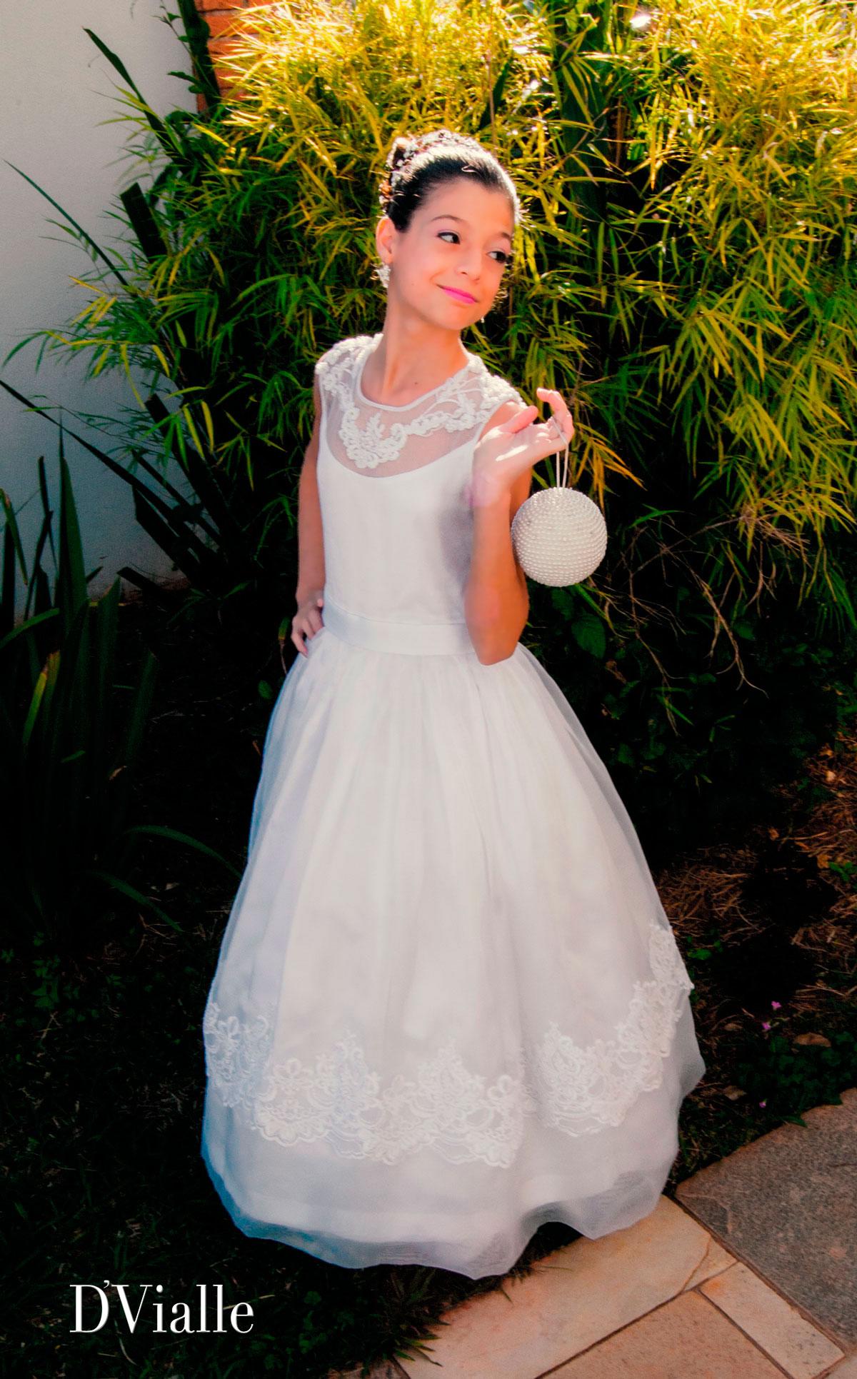 Coleção D'Vialle: Vestido dama detalhe renda